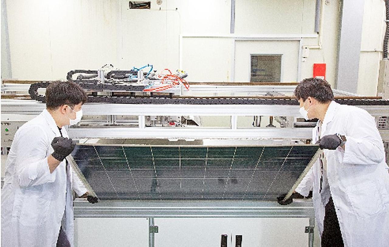 Новая технология переработки фотоэлектрических модулей позволяет восстановить 100% стекла модуля и повторно использовать кремний