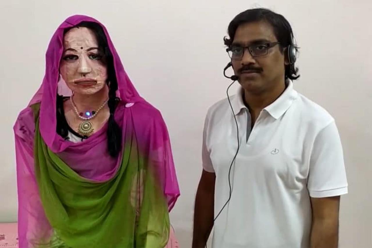 По подобию робота «София» в Индии создали робота - гуманоида «Шалу», который говорит на различных языках, отвечает на вопросы и решает математические задачи