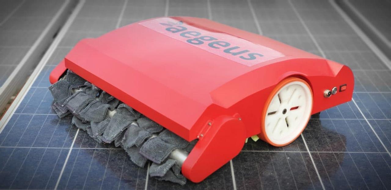 Автономный робот очистит солнечные батареи без использования воды