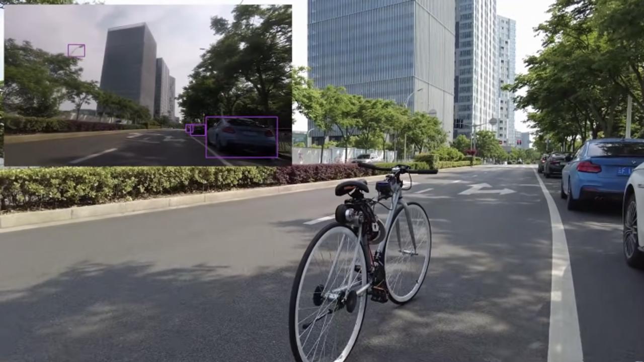 Инженер из Китая создал самобалансирующийся автономный электровелосипед