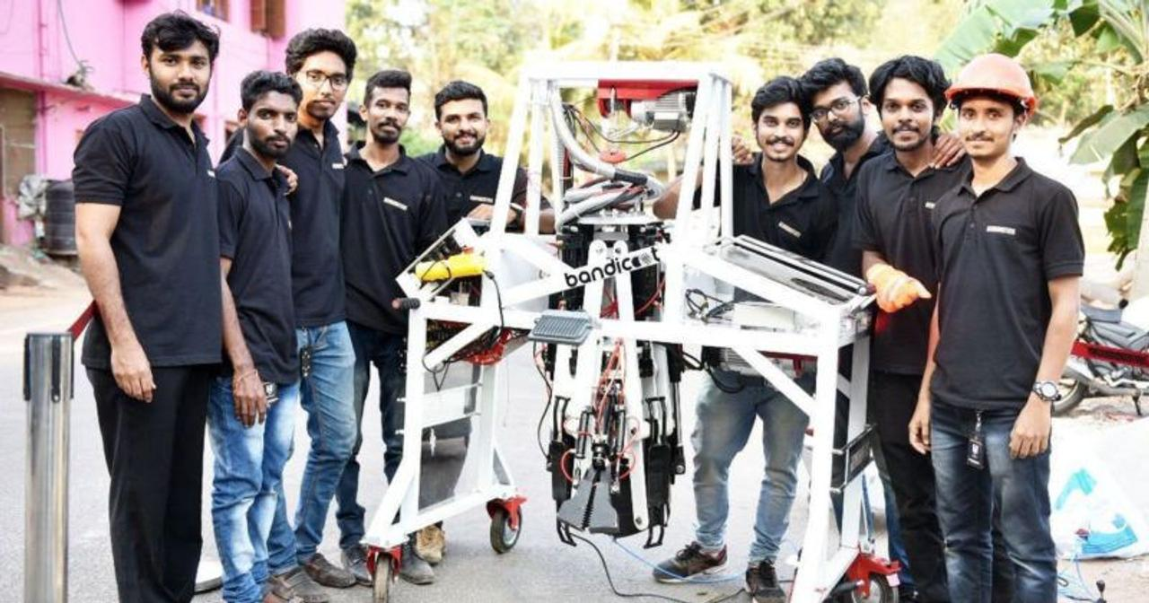 Инженеры из Кералы создали робота Bandicoot для очистки канализационных люков и труб