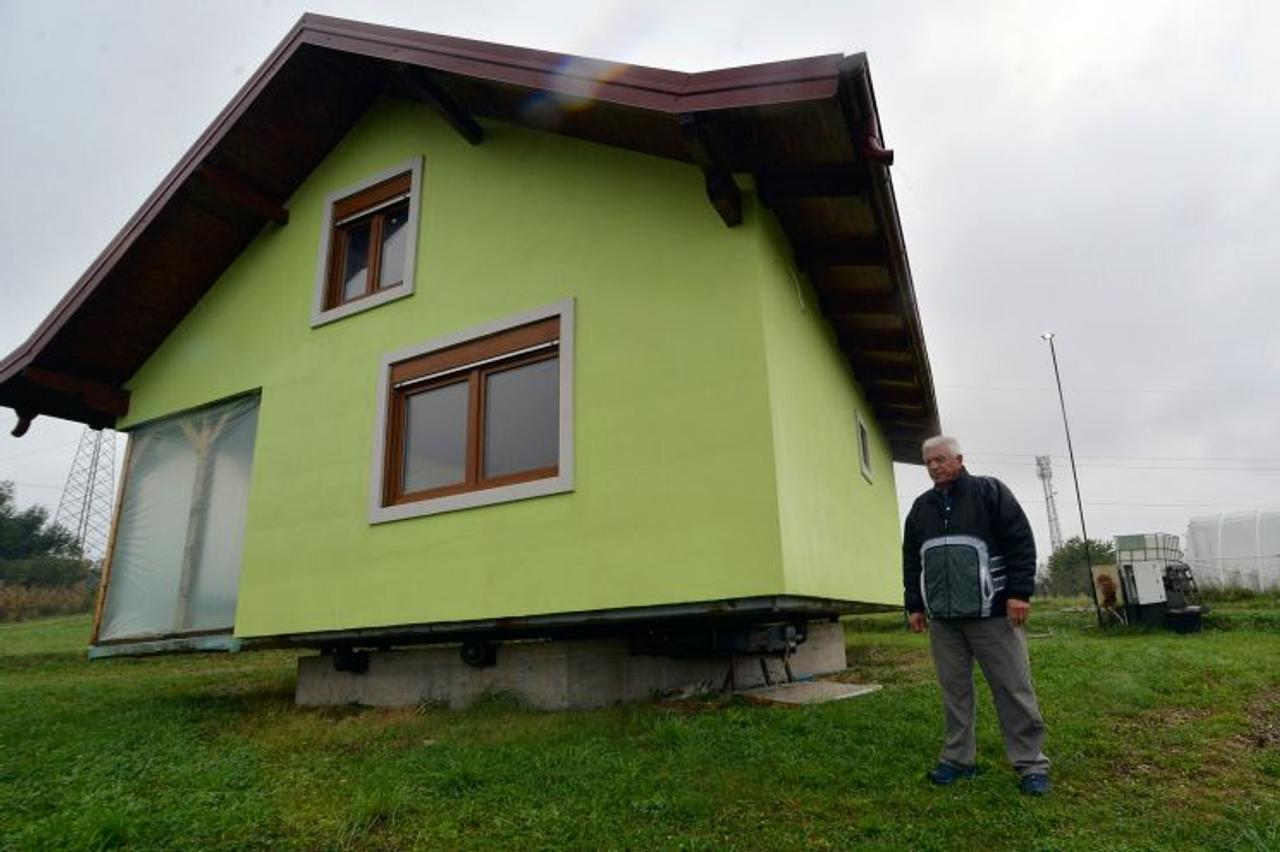 Изобретатель из Боснии построил для своей жены вращающийся дом