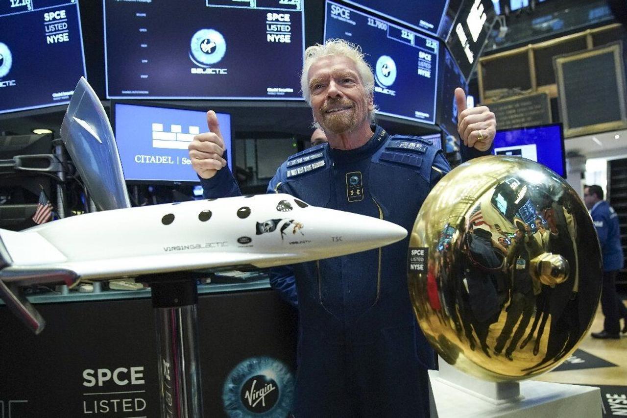 Virgin Galactic возобновила продажи билетов для космических туристов за $450 000 за место