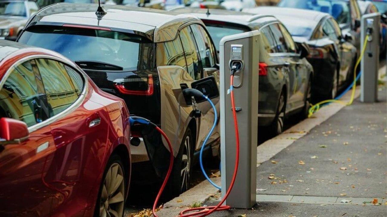 К 2026 году электрокары полностью вытеснят автомобили на ДВС