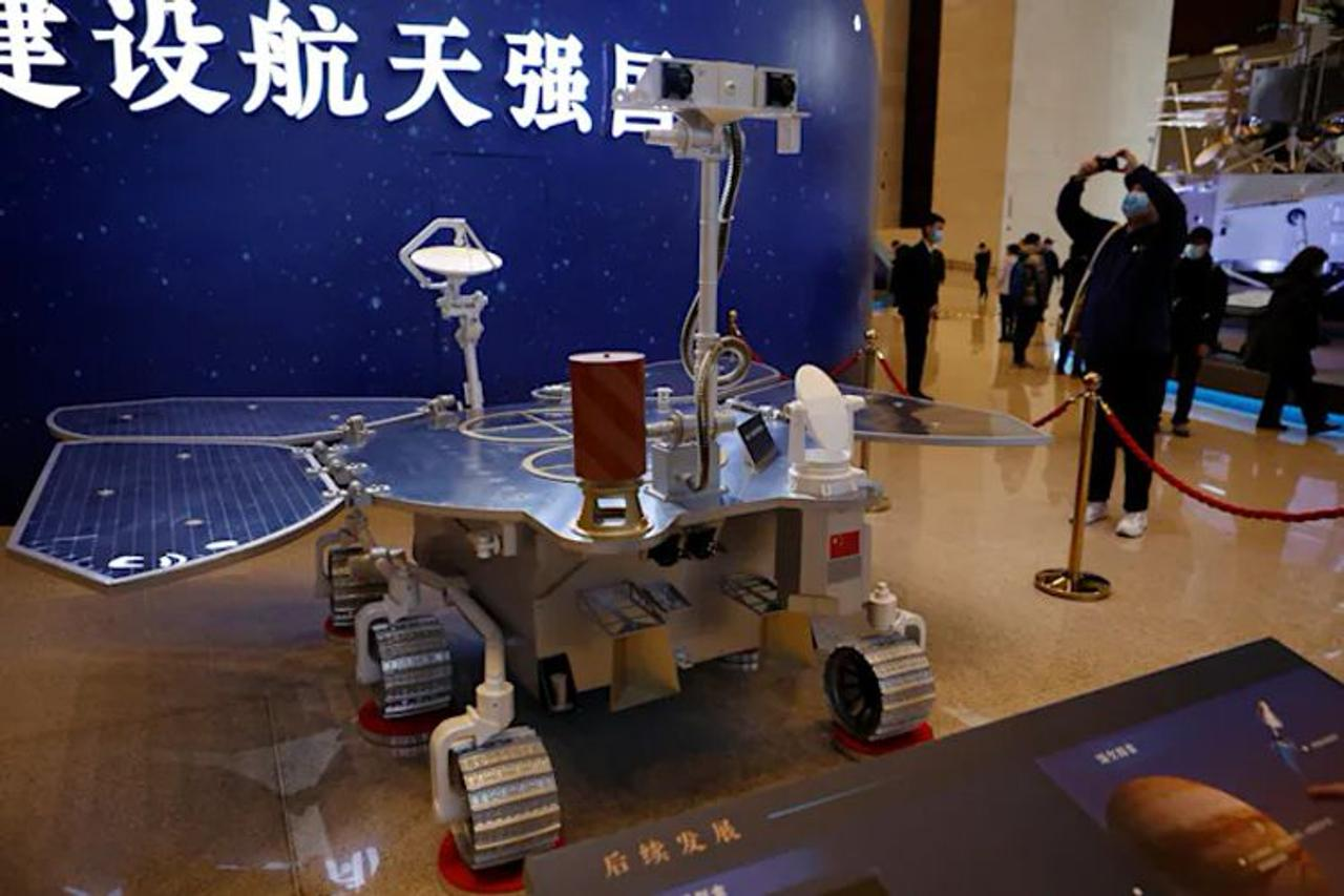 Китайский аппарат Zhurong впервые успешно совершил посадку на Марсе