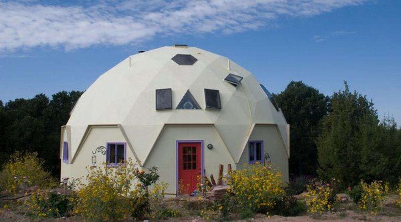 Дизайнер Уил Фидрофф разработал купольные дома EconOdome, они поставляются комплектом для самостоятельной сборки