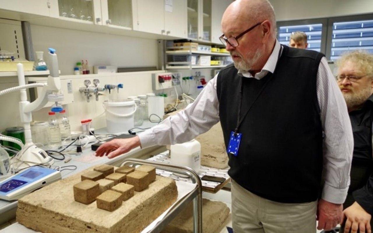 В Эстонии для дешовой 3D - печати энергоэффективных домов используют торф, он прочен, легок и долговечен