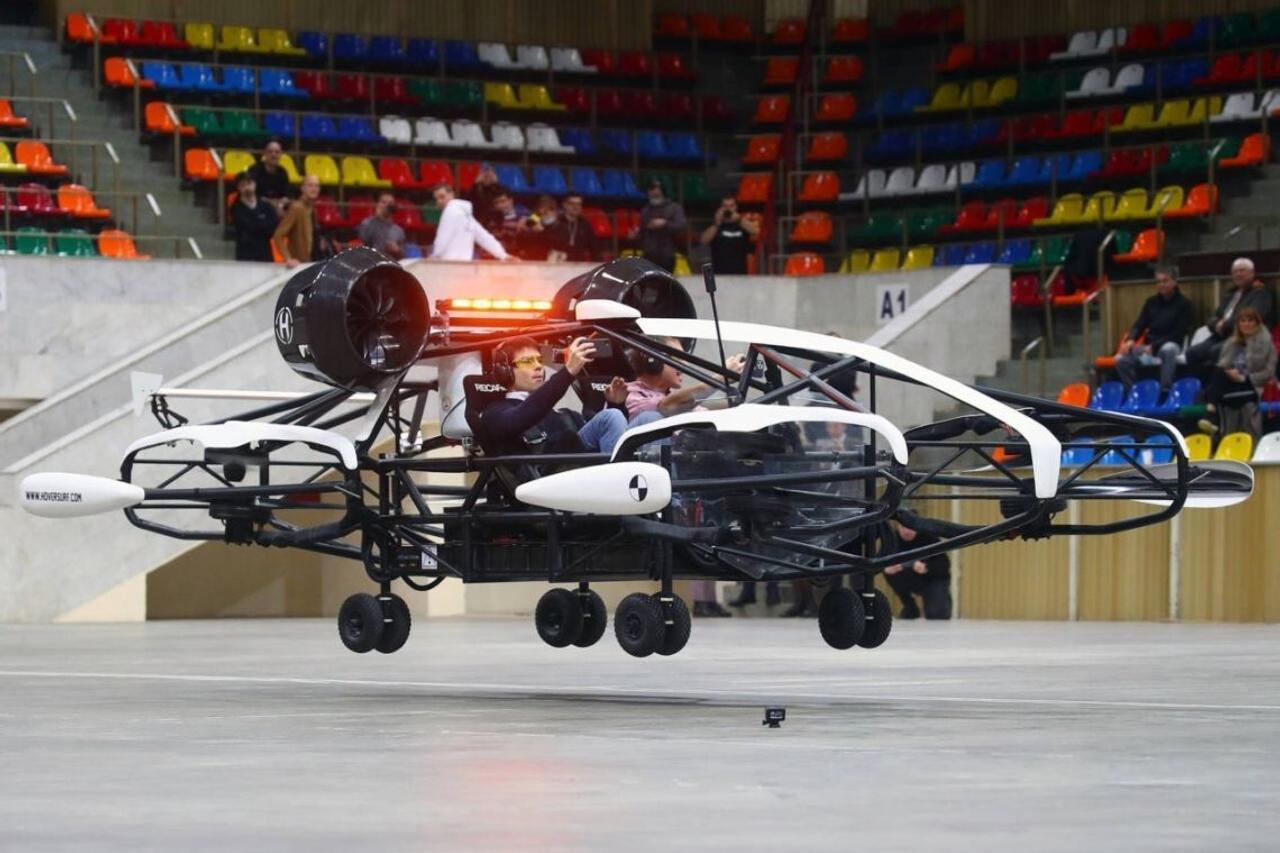 Компания «Hover» планирует выпустить 5 000 единиц летающих такси