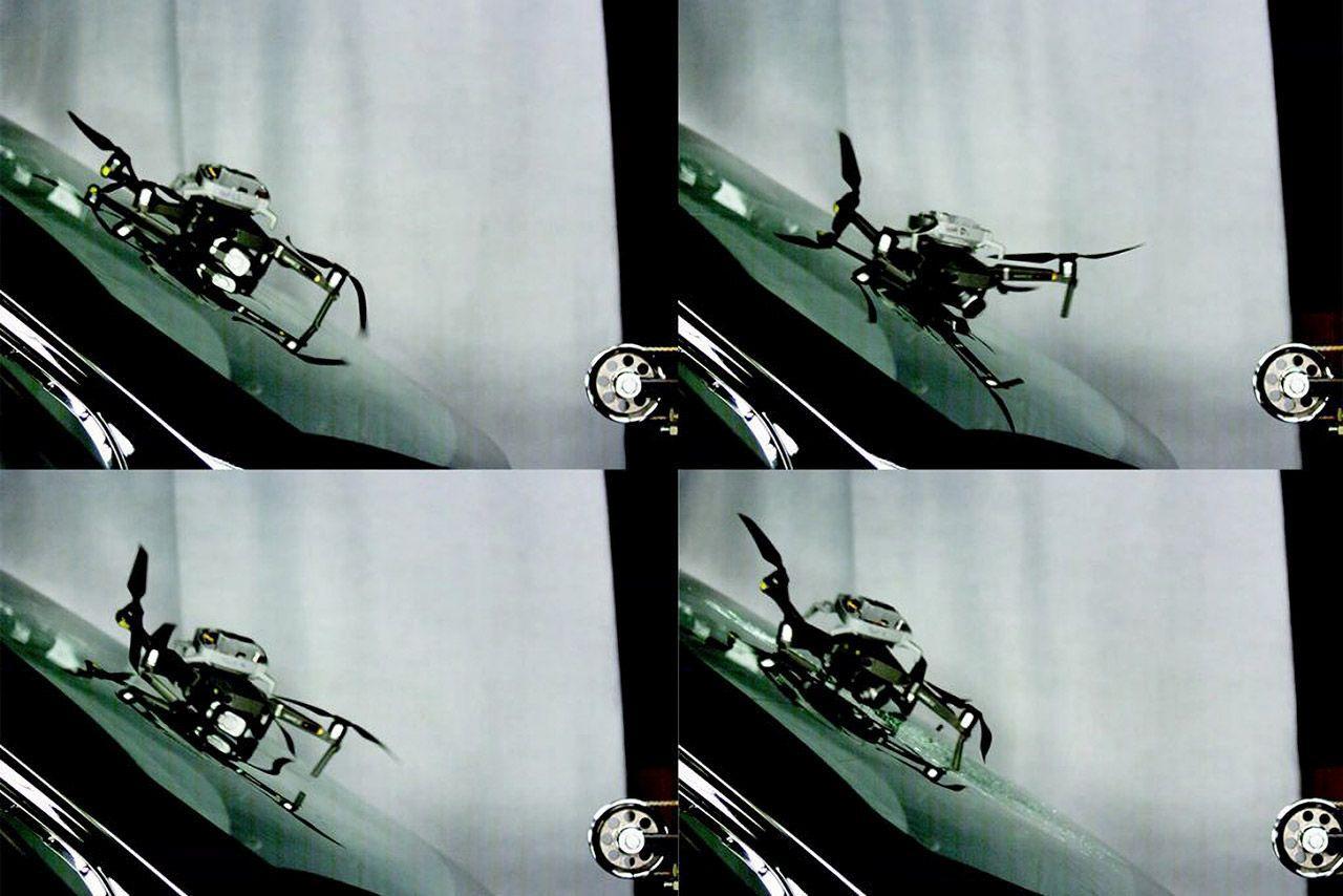 Что происходит, когда дрон врезается в лобовое стекло автомобиля на скорости 100 км/час (Видео)