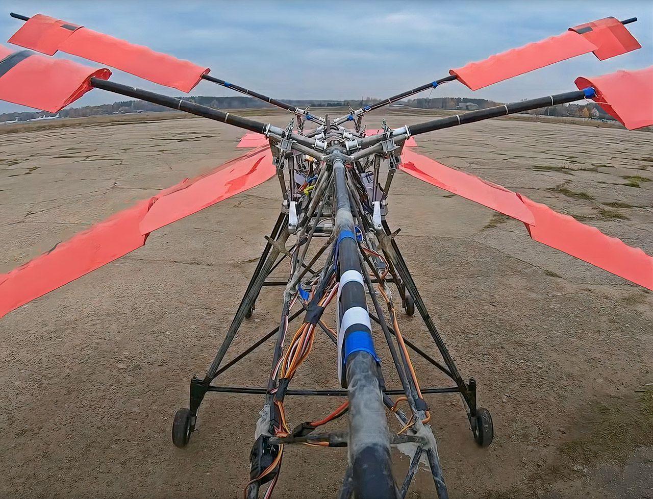 Российские изобретатели построили летательную машину - махолет, копирующую полет стрекозы
