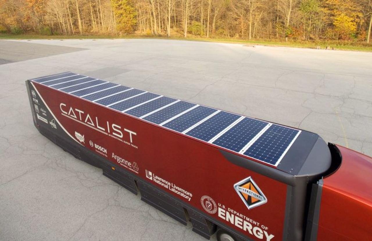 Рефрижераторные прицепы на солнечных батареях станут будущим продуктового транспорта