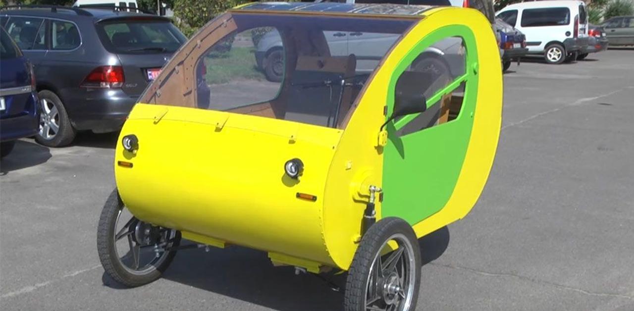 Украинский «кулибин» разработал трехколесный компактный мини-кар, который не требует регистрации для вождения