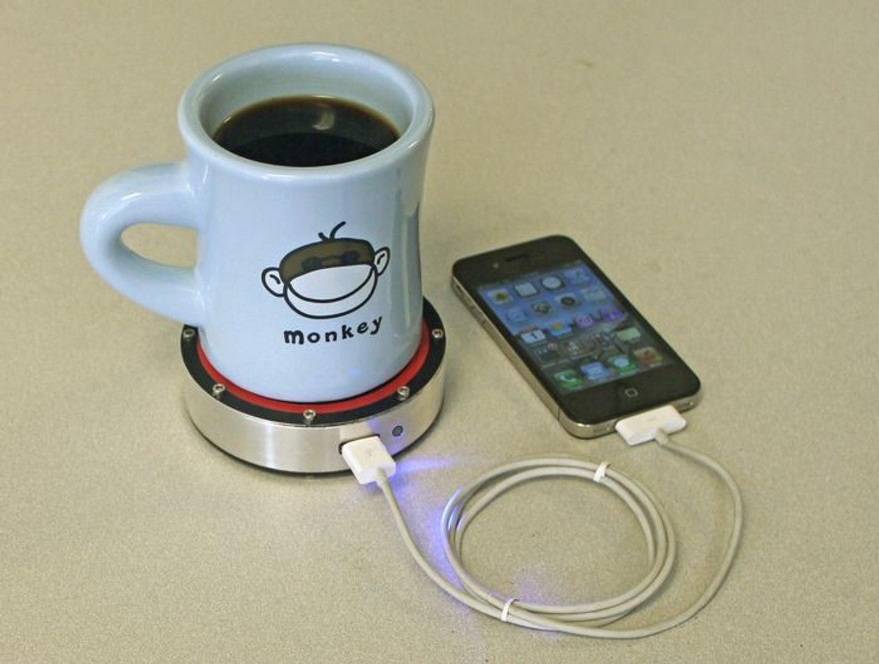 Устройство ONE PUCK - зарядит телефон с помощью горячего чая и холодной воды