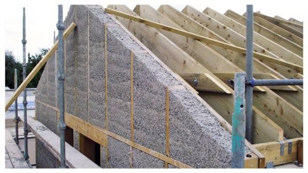 Костробетон и кирпичи из конопли, преимущества перед стандартным кирпичем при строительстве дома