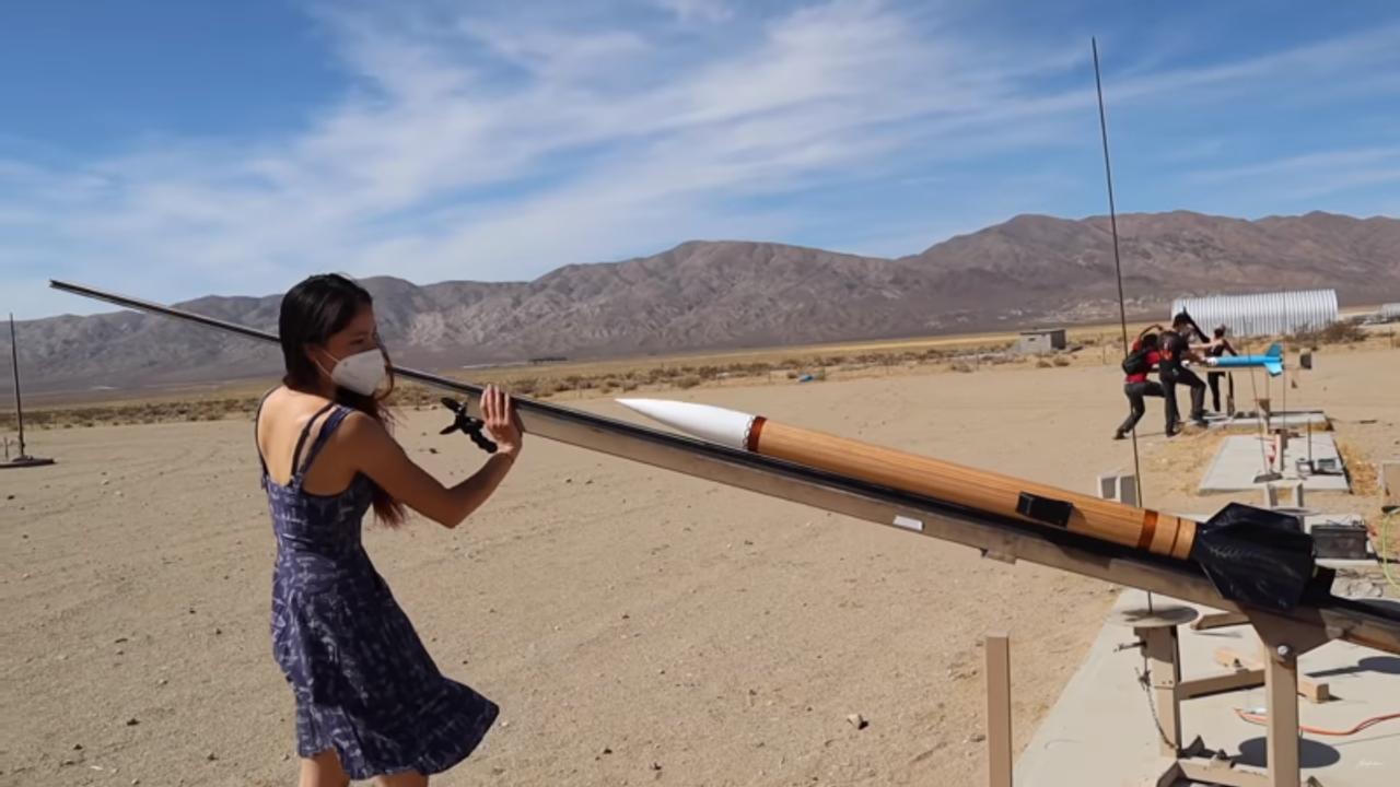Как создать мощную ракету, в домашних условиях, всего за 5 дней? Смотрим и учимся
