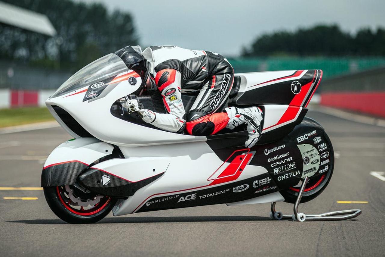 Аэродинамический электромотоцикл White Motorcycle Concepts создан, чтобы установить новый рекорд скорости