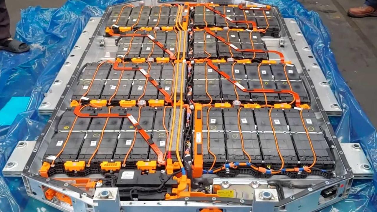 Hyundai впервые показал аккумуляторную батарею электромобиля Ioniq 5800 В