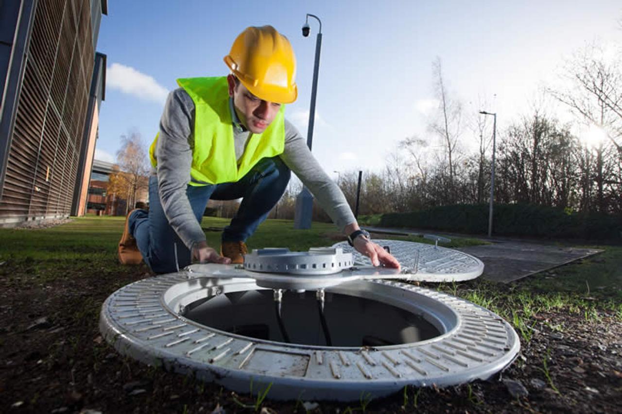 Крышки канализационных люков превратят в антенны сети 5G