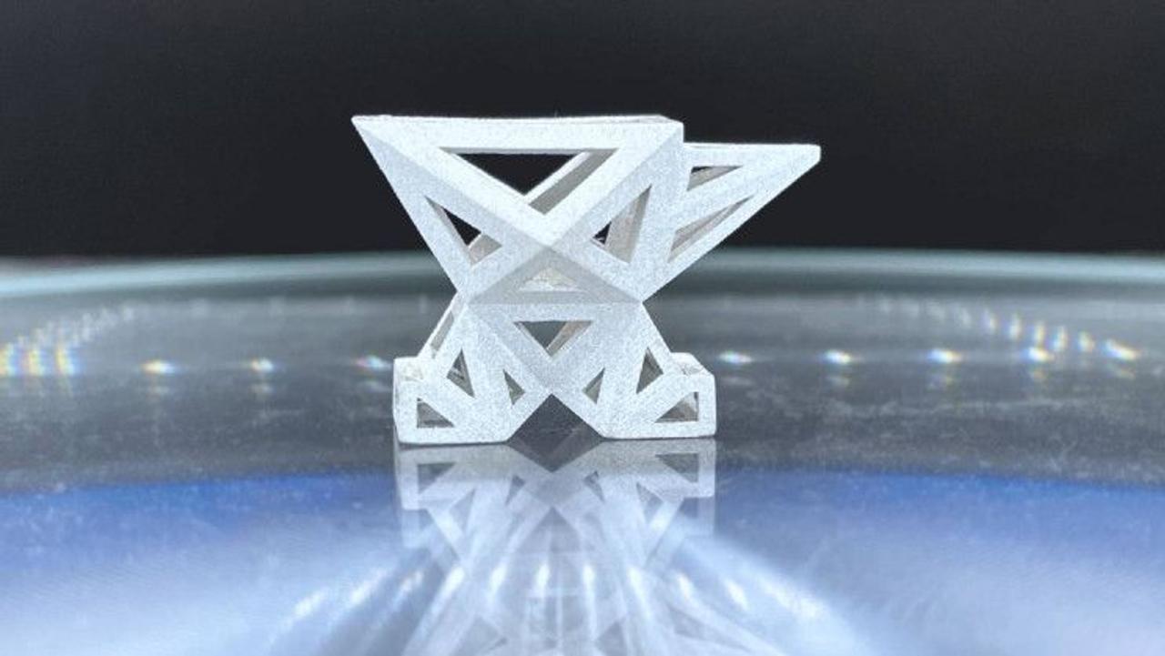 Новая технология ESA открывает возможность 3D-печати новых материалом из металлов с Луны