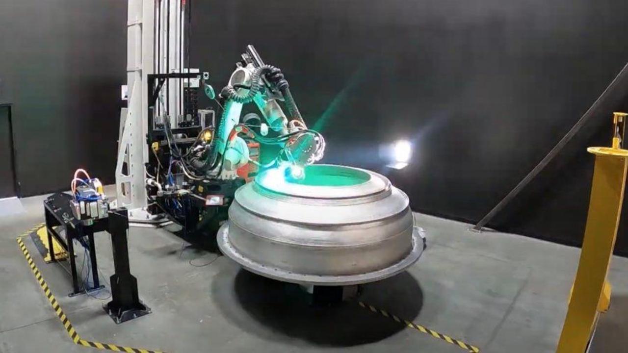 Теперь космические ракеты печатают на 3D принтере. Смотрим как это происходит