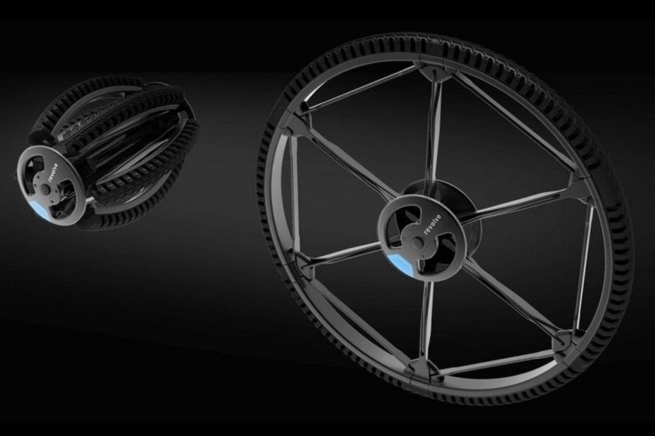 Велосипедное колесо Revolve можно сложить в компактный размер и положить в рюкзак