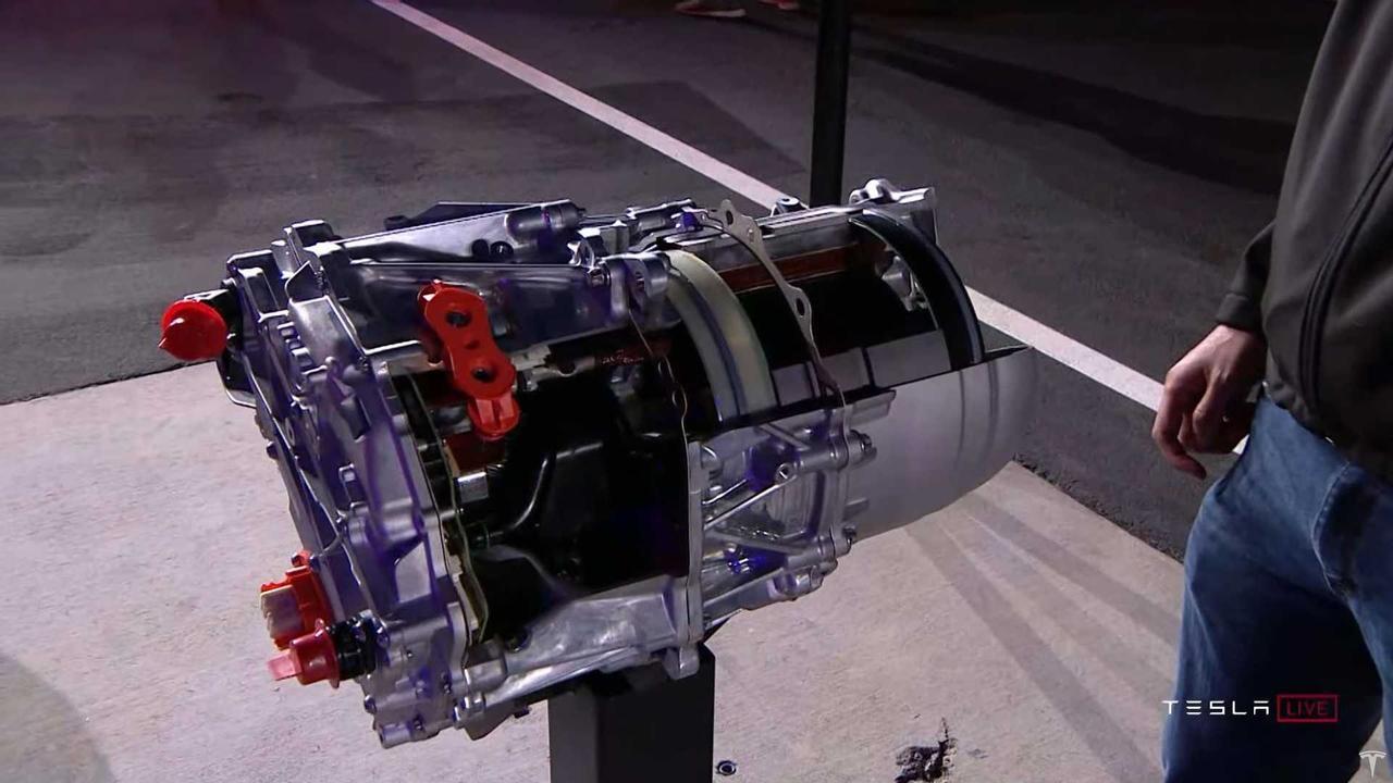 Tesla показала электродвигатель который устанавливают на Model S Plaid