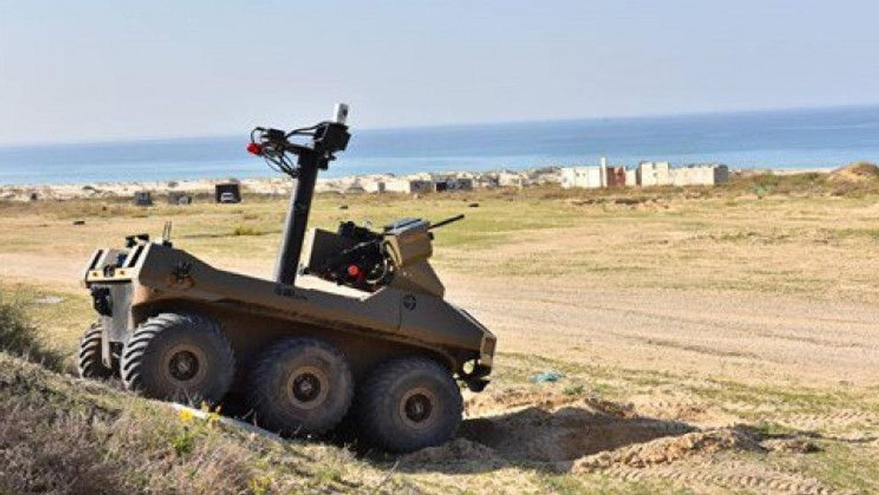 Полуавтономный робот с пулеметами Jaguar заменит солдат на поле боя