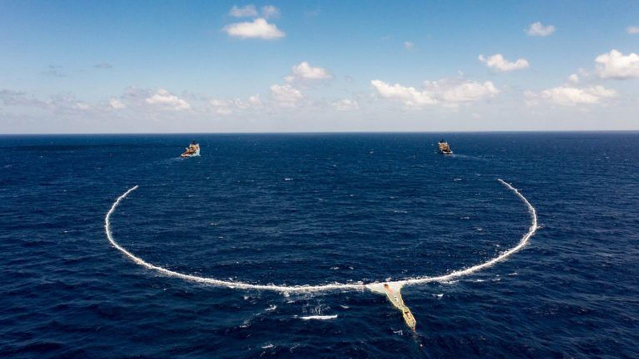 Ocean Cleanup планирует убрать весь пластиковый мусор, из мирового океана, до 2040 года